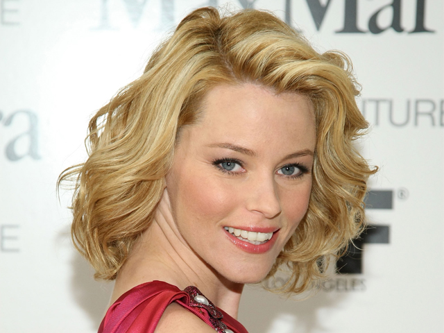 Elizabeth Banks Talks LEGO and Directing PITCH PERFECT 2 at THE LEGO MOVIE Premiere