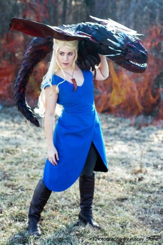 Daenerys Targaryen (Game of Thrones) | Source: http://on.fb.me/1oPjpCN