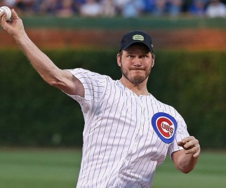 GUARDIANS OF THE GALAXY's Chris Pratt Goes to Baseball Game, Is Adorable