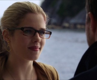ARROW's Felicity Smoak is Going Goth in Flashbacks Tonight — and Revealing Heaps About Her Past