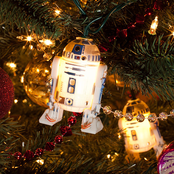 120714_starwars_r2d2christmaslights - Star Wars Christmas Decorations