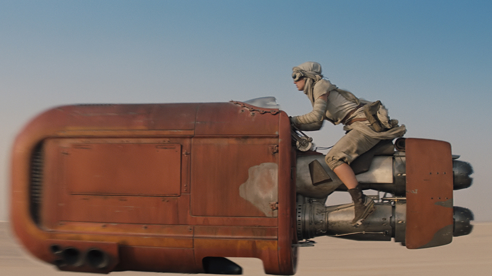 New Details Revealed About the STAR WARS: THE FORCE AWAKENS Trailer