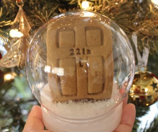 Holiday DIY: SHERLOCK 221B Cookie Snow Globe