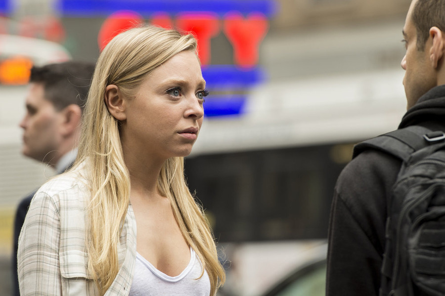 """MR. ROBOT -- """"wh1ter0se.m4v"""" Episode 108 -- Pictured: (l-r) Portia Doubleday as Angela Moss -- (Photo by: David Giesbrecht/USA Network)"""