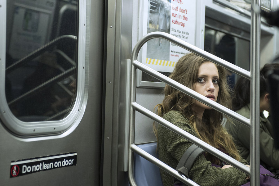 """MR. ROBOT -- """"wh1ter0se.m4v"""" Episode 108 -- Pictured: Carly Chaikin as Darlene -- (Photo by: David Giesbrecht/USA Network)"""