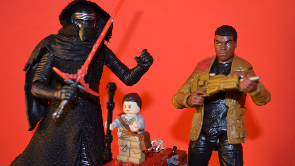 The Sunday Toy Chest: THE FORCE AWAKENS Black Series and LEGO