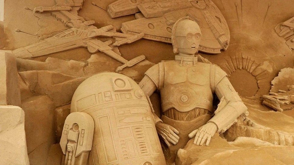 Japanese Star Wars Sand Sculpture is Out of This World