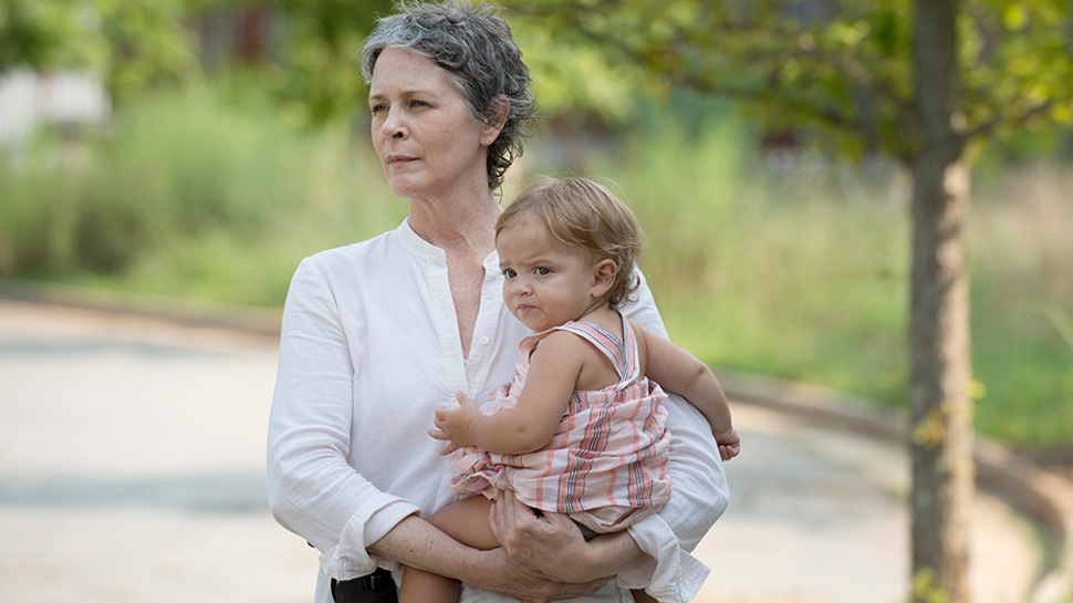 THE WALKING DEAD Review: 'Heads Up'