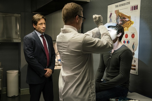 "THE X-FILES: L-R: David Duchovny, guest star Dough Savant and guest star Jonathan Whitesell in the ""Founder's Mutation season premiere, part two, episode of THE X-FILES airing Monday, Jan. 25 (8:00-9:00 PM ET/PT) on FOX. ©2016 Fox Broadcasting Co. Cr: Ed Araquel/FOX"
