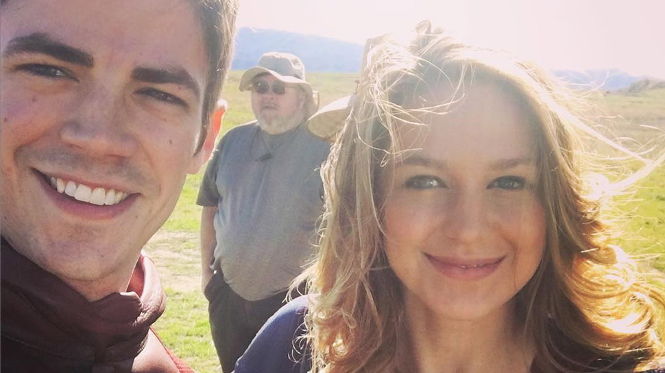 THE FLASH and SUPERGIRL Unite in Grant Gustin's Photos from the Crossover Set