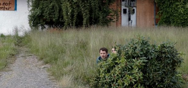bushes-dirk-gently