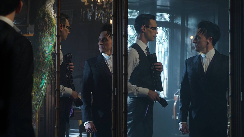 GOTHAM Recap: Love Is In the Air in 'Mad City: Red Queen'