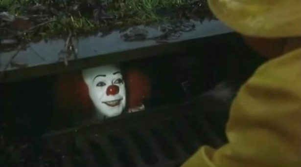 tim-curry-as-pennywise
