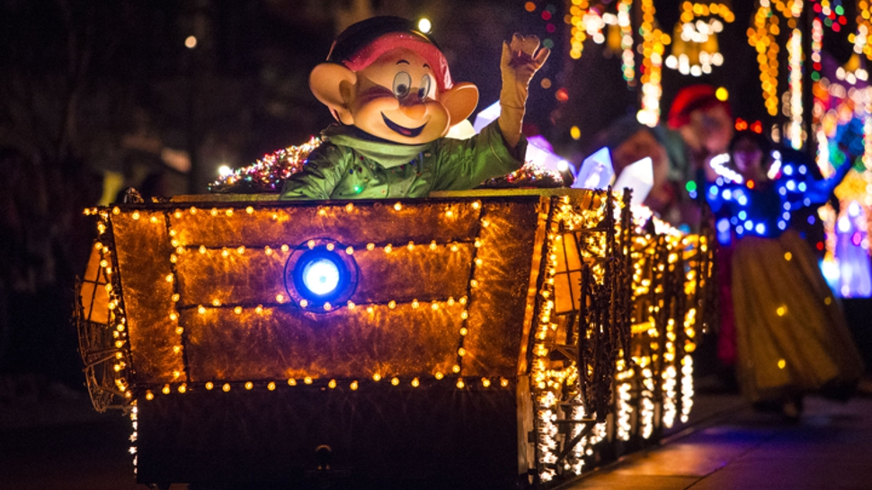 Main Street Electrical Parade Returns to Disneyland With Special Treats
