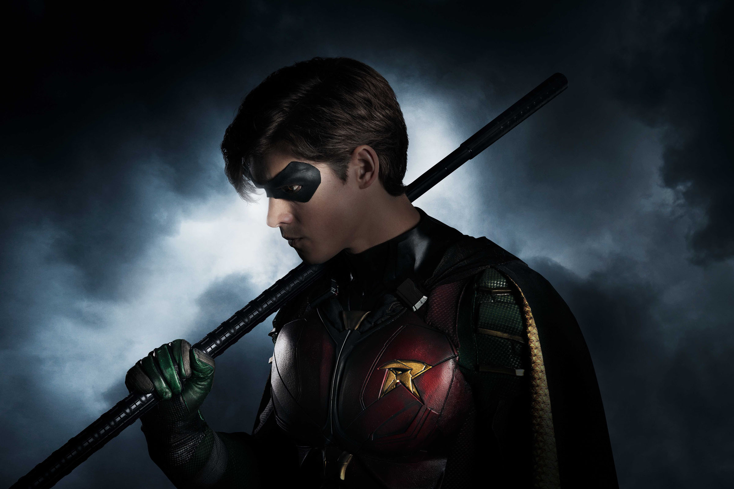 'Titans': Brenton Thwaites As Robin In DC Superhero Series