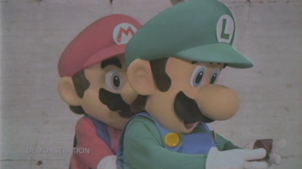 """Gaming Daily: Mario and Luigi Demonstrate What's """"New"""" About the New 3DS"""