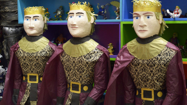 Joffrey Pinata by Blink Box-04062015