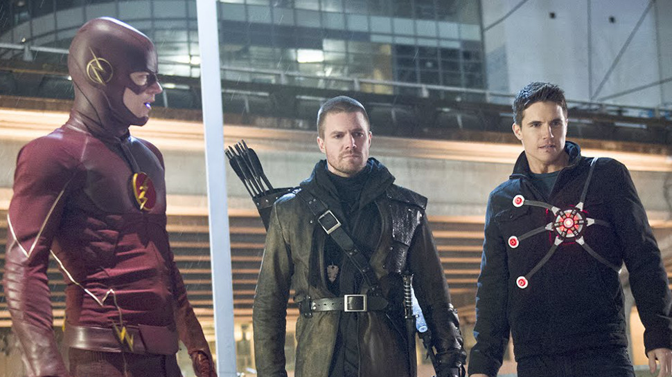 """THE FLASH Review: """"Rogue Air"""""""