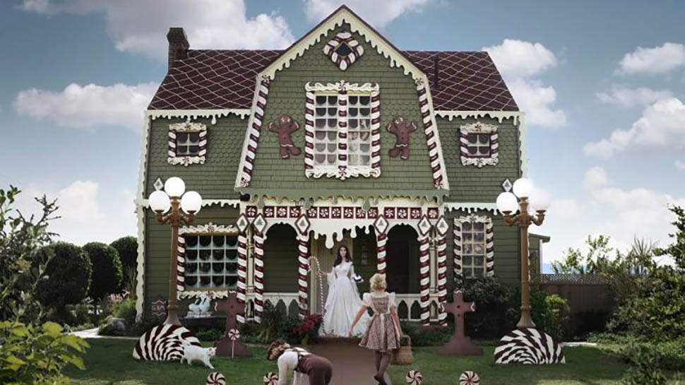 Artist Transforms Her Parents' Home into a Gingerbread House