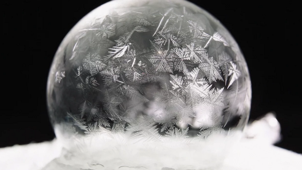 Frozen Soap Bubbles Continue to Be Our Trippy, Magical Obsession