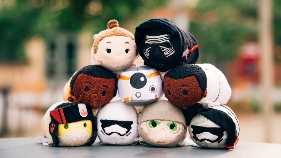 STAR WARS: THE FORCE AWAKENS Disney Tsum Tsums Are Calling To You