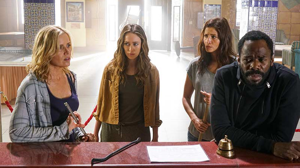 """FEAR THE WALKING DEAD Review: Who's Afraid of """"Los Muertos""""?"""
