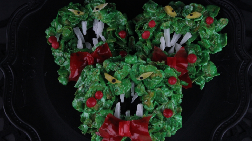 Eat These NIGHTMARE BEFORE CHRISTMAS Wreath Cookies Before They ...