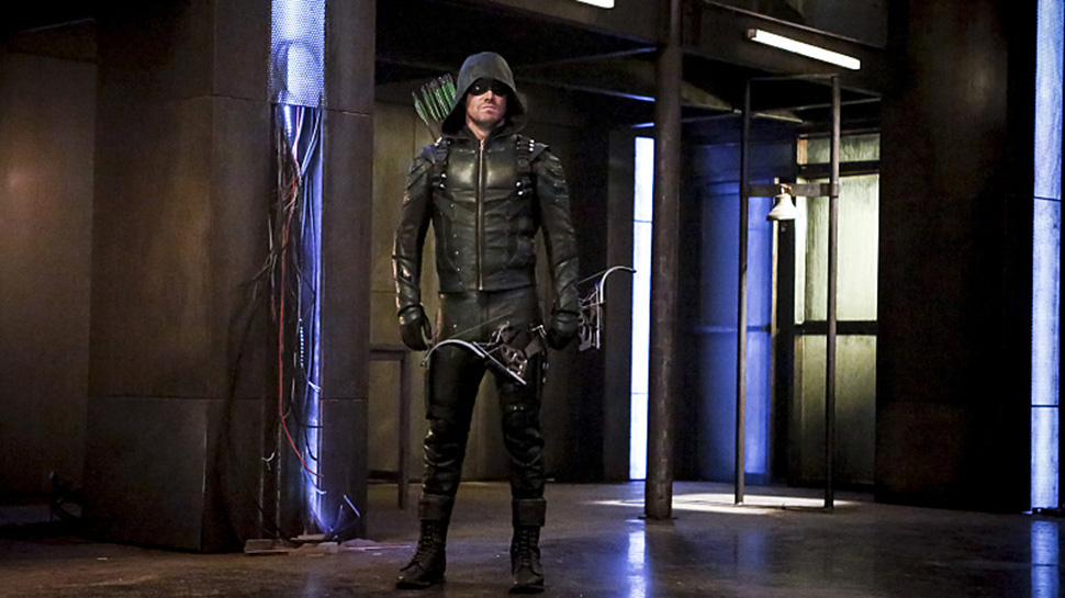 ARROW Stars Pick Their Favorite Flashbacks From Set After 100 Episodes