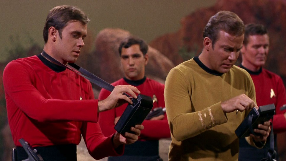 "STAR TREK ""Red Shirts"" Weren't Statistically the Most Likely to Die After All"