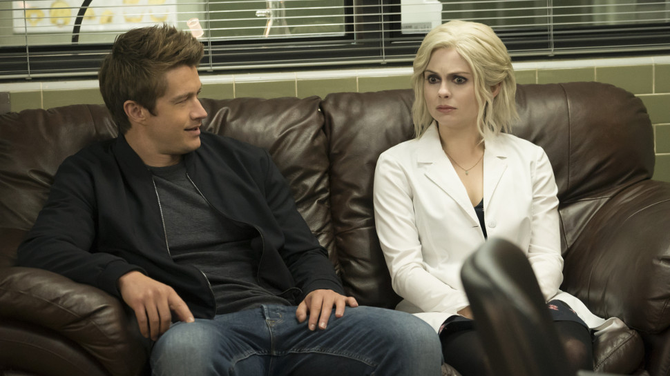IZOMBIE: Liv Leans on Sock Puppets