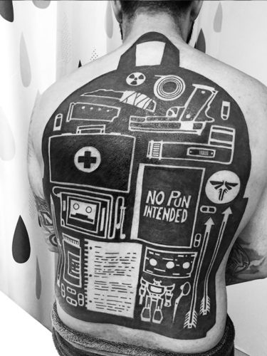 THE LAST OF US Backpack Back Tattoo is Prepared for Anything_2