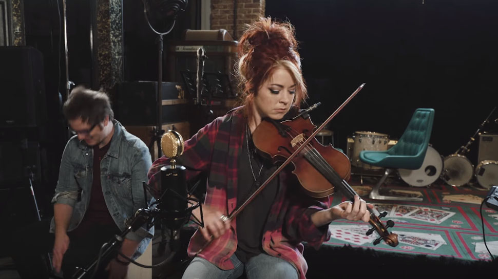 "Lindsey Stirling Covers Green Day's ""Boulevard of Broken Dreams"""