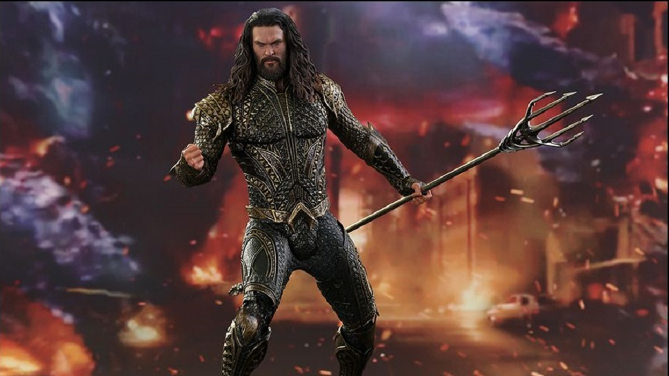 Assemble the JUSTICE LEAGUE with Batman and Aquaman Hot Toys Figures