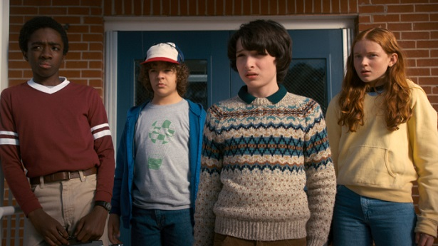 """STRANGER THINGS' Characters Try to Get Back to """"Normal"""" in Episode 2_3"""