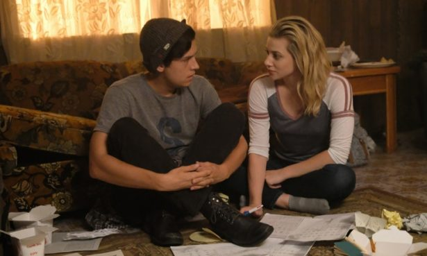 RIVERDALE Cast Shares Their Black Hood Theories_2