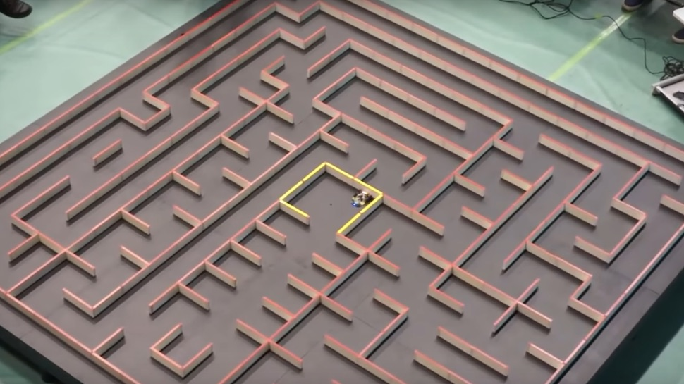 Enter the Wonderful World of Competitive Robot Mouse Maze Speed Trials
