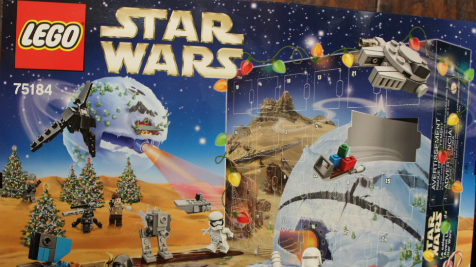 LEGO's 2017 STAR WARS Advent Calendar is Strong with the Festive ...