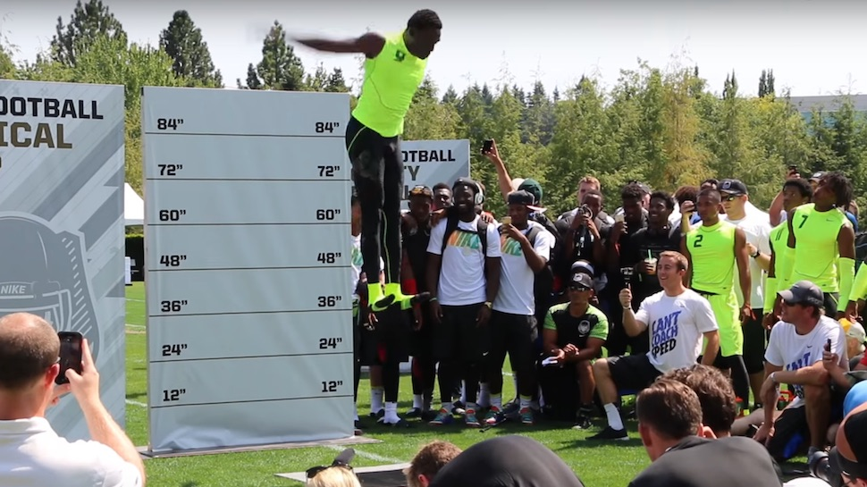 Football Player's Vertical Leap Technique Makes Him Look Like He's Floating