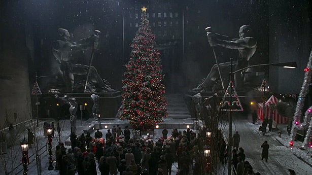 Why BATMAN RETURNS is a Magical Christmas Movie_2