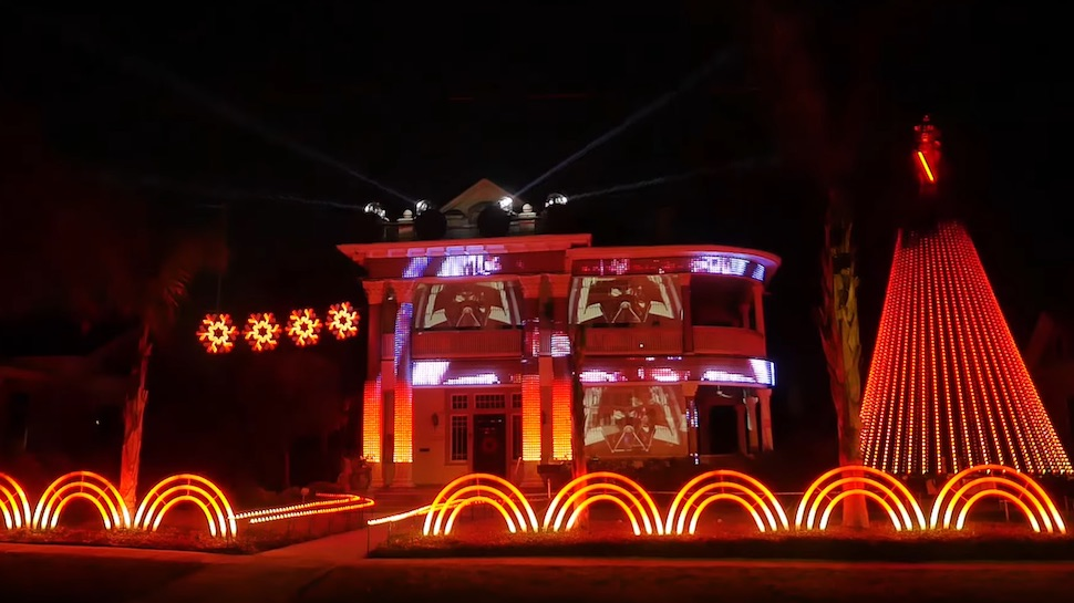 Insane STAR WARS Christmas Light Show Features Dubstep EDM 'Imperial March'  Cover - Insane STAR WARS Christmas Light Show Features Dubstep EDM 'Imperial