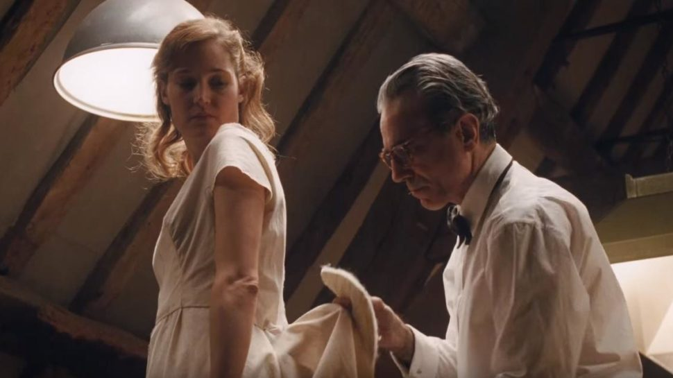 PHANTOM THREAD is Paul Thomas Anderson's Twisted Love Story About the Beauty in Ugliness (Review)