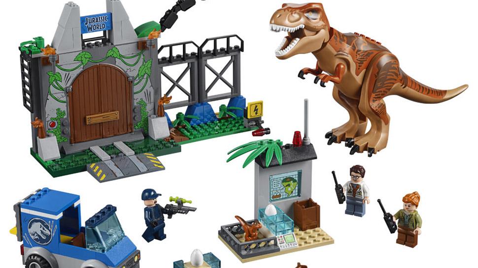 JURASSIC WORLD: FALLEN KINGDOM LEGO Sets Debut At Toy Fair