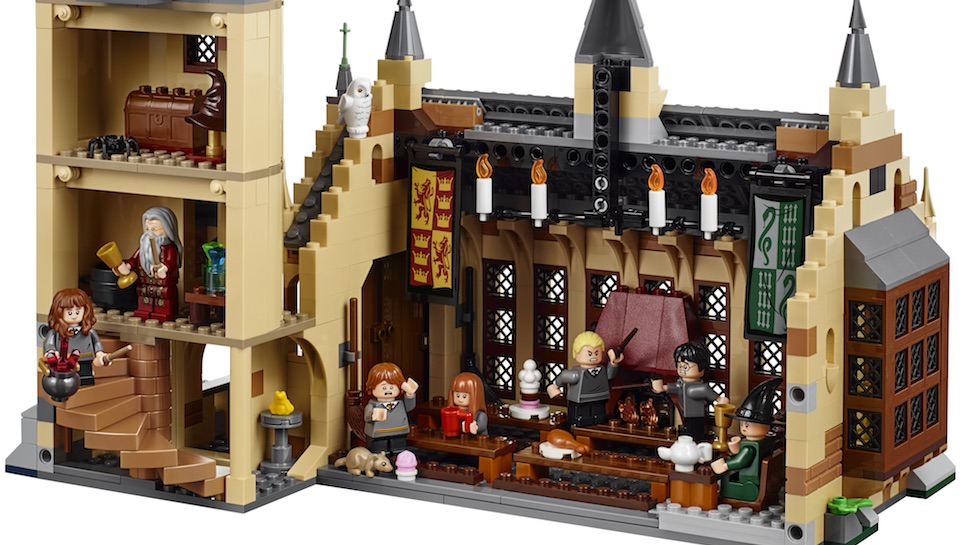 Your First Look at LEGO's New HARRY POTTER Hogwarts Great Hall Set is Here