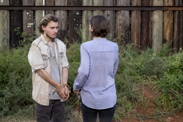 Is THE WALKING DEAD Setting Up Maggie and This Character as The Future of Hilltop?_6