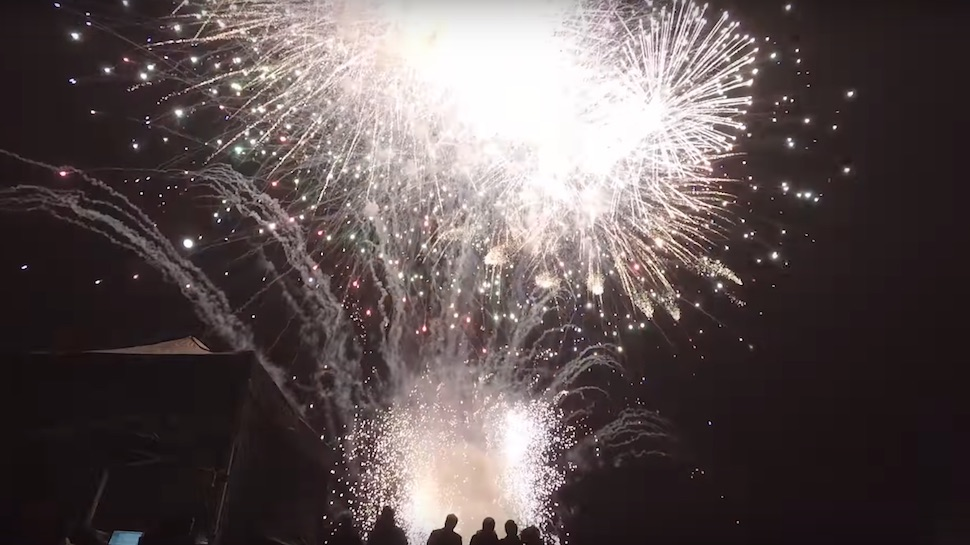 Watch a Ten-Minute Fireworks Display Set Off All at Once