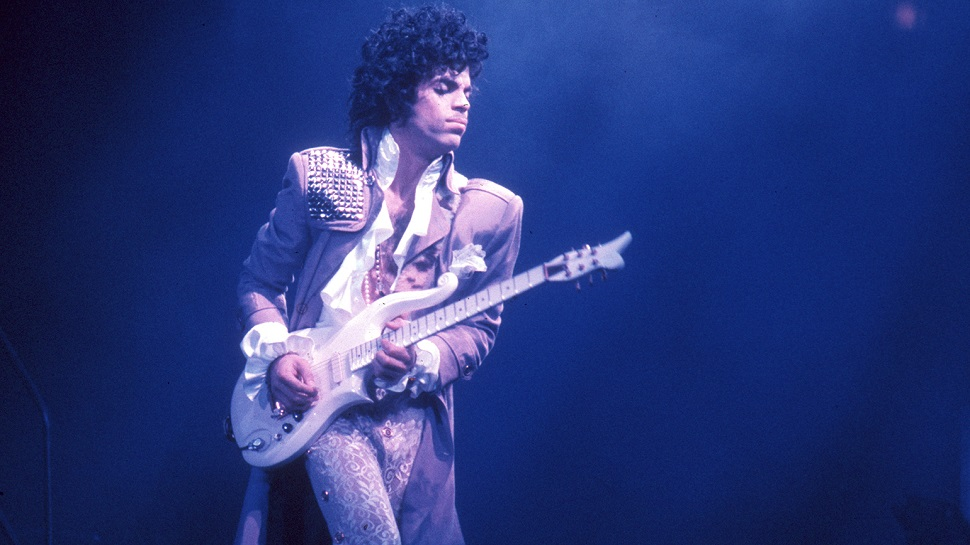 "PRINCE'S Original Recording of ""Nothing Compares 2 U"" Finally Released"