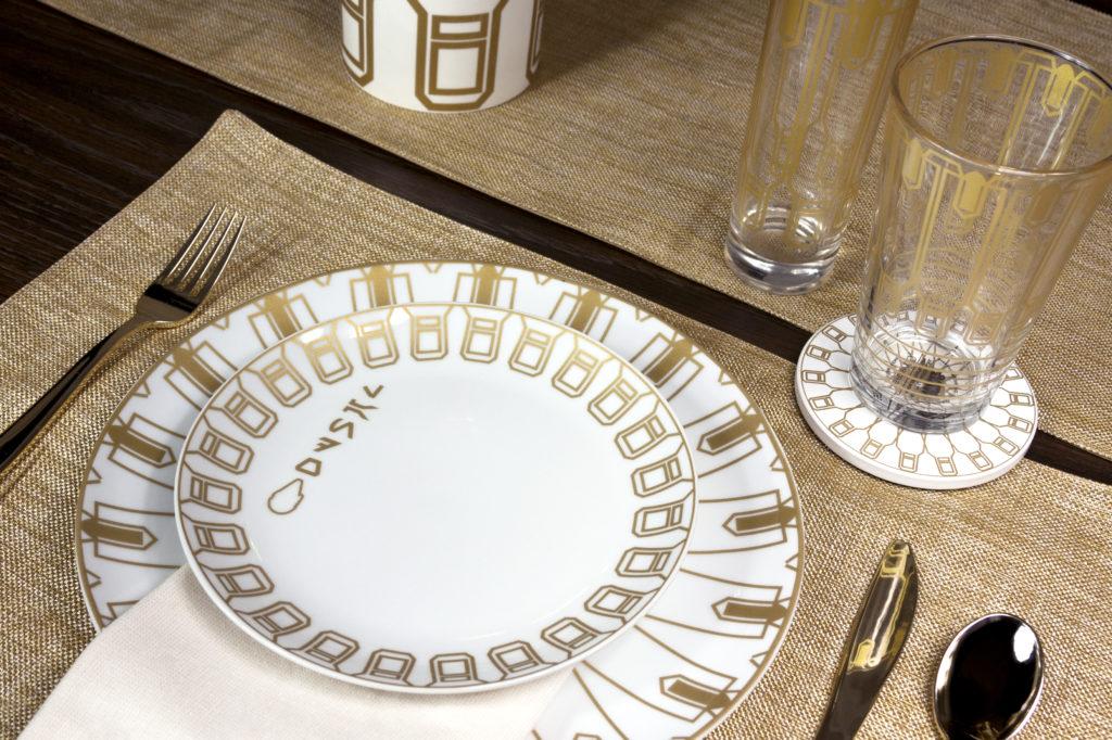 Dine Like Lando Calrissian with Fancy STAR WARS Plates_32