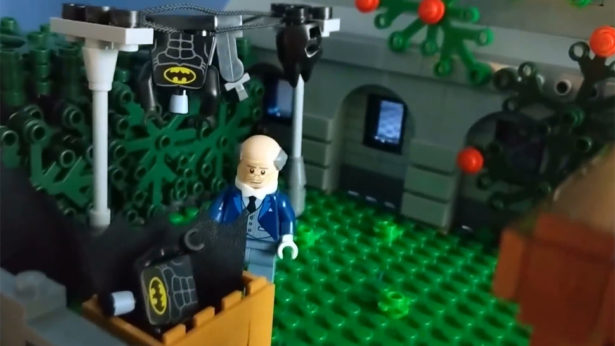 Massive Custom LEGO BATMAN Wayne Manor and Batcave Is a Masterpiece_4