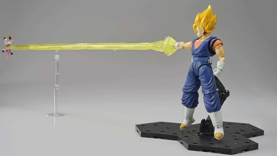 Build a DRAGON BALL Vegito and STAR WARS B-Wing with Bandai SDCC Exclusives