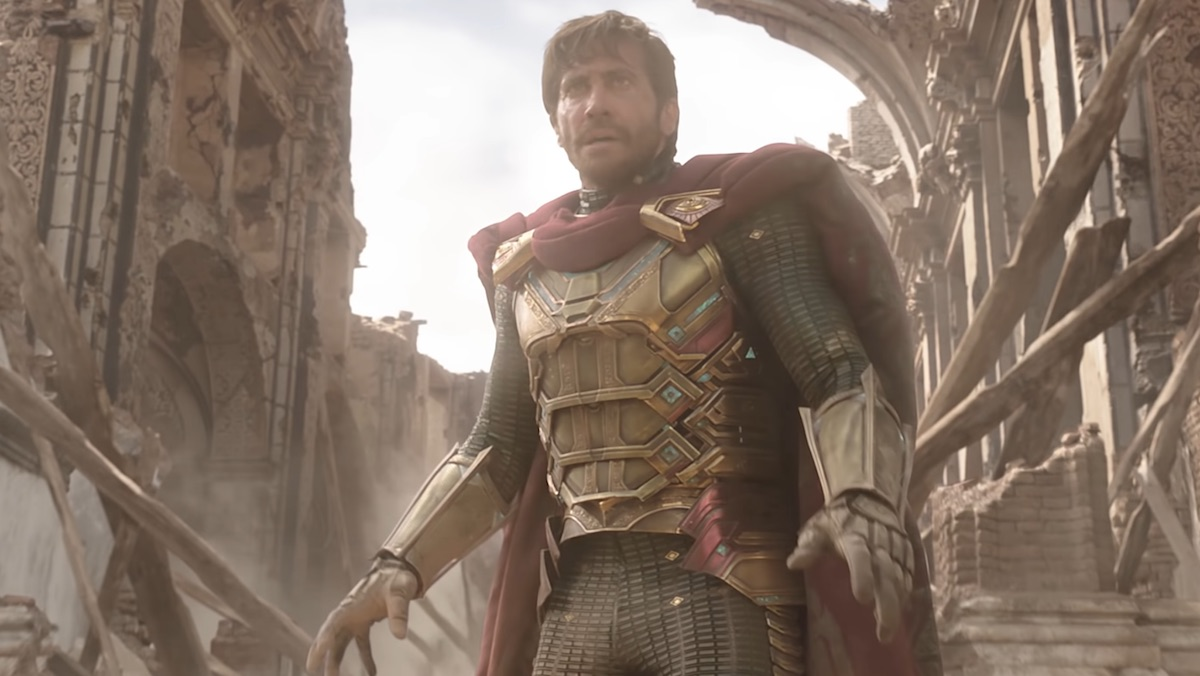 Is Mysterio in SPIDER-MAN: FAR FROM HOME a Villain or Hero?_4